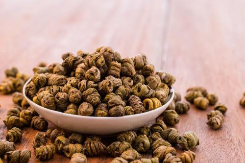 铁皮石斛与虫草磨粉吃好吗